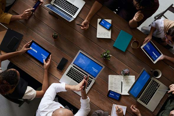 אנשים-מחשבים-עבודה